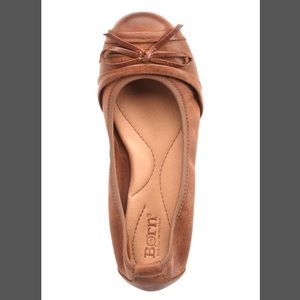Born chelan now leather flat